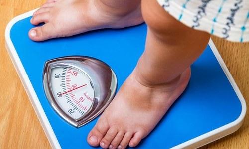 ڈائٹنگ کے بغیر جسمانی وزن میں کمی لانے والے آسان طریقے