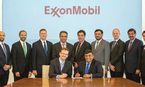 Deal signed with ExxonMobil for supply of LNG to transport sector
