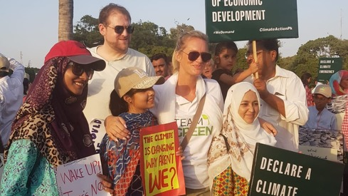 Pakistani celebrities join the Climate March
