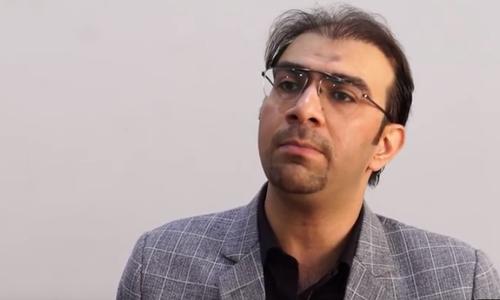 پاکستانی استاد احمد سایا نے دنیا کے بہترین ٹیچر کا ایوارڈ جیت لیا