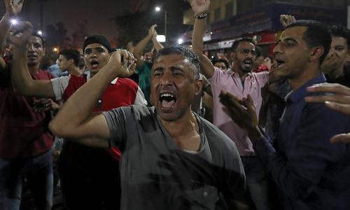 مصر کے تحریر اسکوائر پر احتجاج، مظاہرین کا سیسی سے استعفے کا مطالبہ