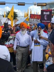 A large number of Sikh community members have gathered to protest Modi's actions in occupied Kashmir. — Sana Mateen