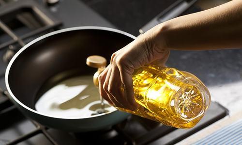 خوردنی تیل اور گھی کے 103برانڈز مضر صحت قرار، فروخت پر پابندی