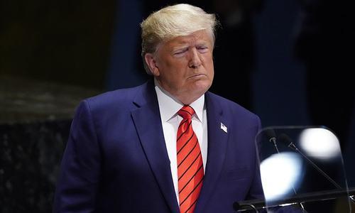 Trump warns China over trade and Hong Kong
