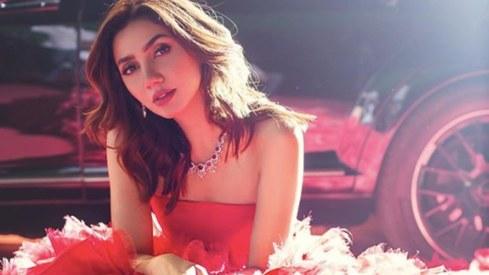 Mahira Khan is ready to strut the ramp at Paris Fashion Week