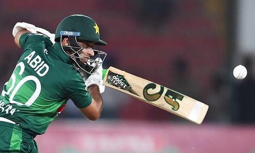 Pakistan defeat Sri Lanka by five wickets in third ODI