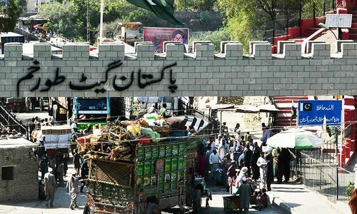Hundreds of vehicles remain stranded near Torkham