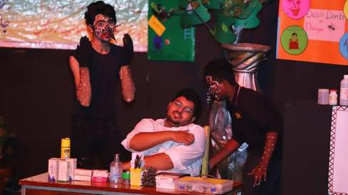 Alhamra on Wheel performs its second play in hopes to revive street theatre