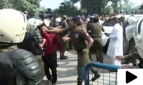 پنجاب پولیس کا میڈیا نمائندوں پر تشدد