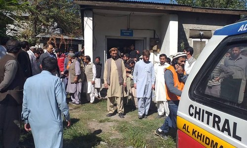Coach-car collision claims eight lives in Chitral