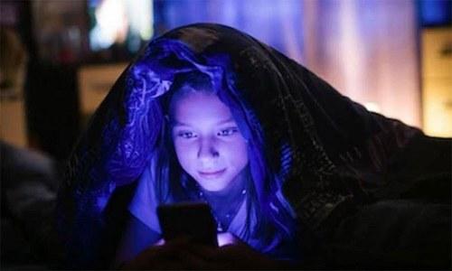 اسمارٹ فون کا استعمال قبل از وقت بڑھاپے کا شکار بناسکتا ہے؟