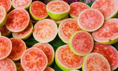 امرود کھانے کے یہ فوائد آپ کو ضرور پسند آئیں گے