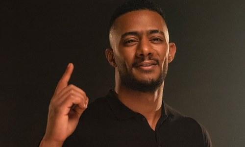 مصر: مشہور اداکار کو کاک پٹ پر بٹھانے پر پائلٹ پر تاحیات پابندی