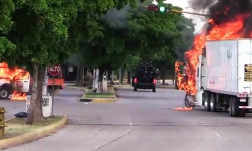 میکسیکیو: سیکیورٹی فورسز ال چاپو کے بیٹے کو گرفتار کرنے کے بعد چھوڑنے پر مجبور