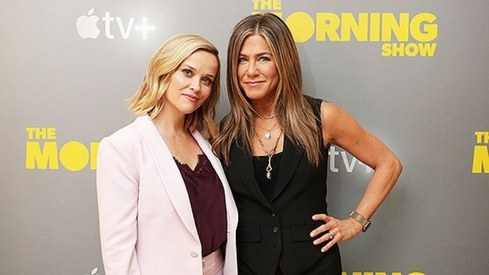 Reese Witherspoon and Jennifer Aniston just reminded everyone they were sisters in Friends