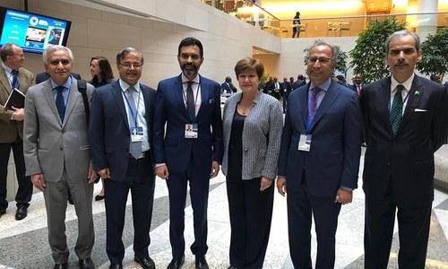 عالمی بینک، آئی ایم ایف کی پاکستانی معیشت کی مکمل حمایت کی یقین دہانی، حکومت