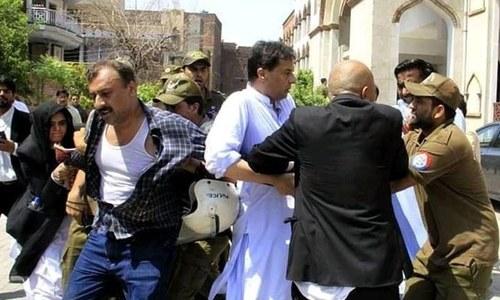 پنجاب پولیس نے کیپٹن (ر) صفدر کو گرفتار کرلیا