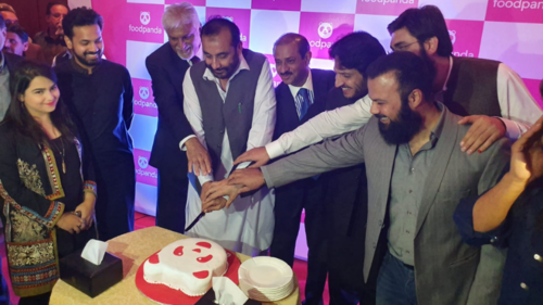 And now it's Quetta that foodpanda has painted pink. Here's how