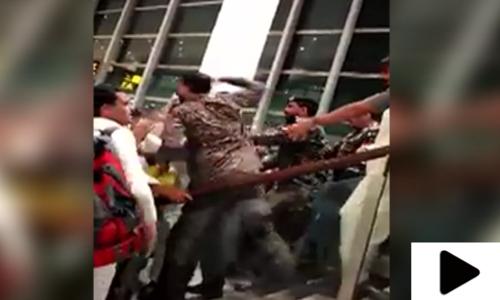 اسلام آباد ایئرپورٹ پر اے ایس ایف کے اہلکاروں کا مسافروں پر تشدد