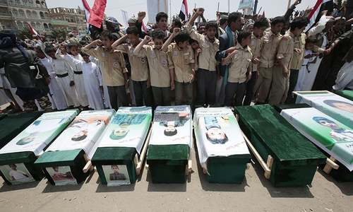 Death toll from Yemen's war hits 100,000
