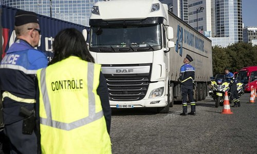 31 Pakistani migrants found in lorry in France