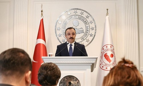 Turkey begins deporting 'foreign terrorist fighters': ministry