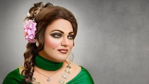 Makeup artist Shoaib Khan paid tribute to Noor Jehan by literally becoming her