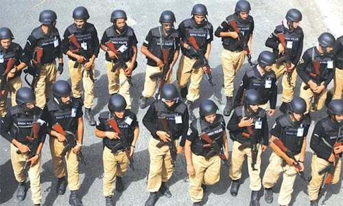 مولانا کے پلان 'بی' کے مقابلے میں پولیس کا بھی پلان تیار