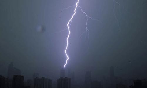 تھر: آسمانی بجلی گرنے کے واقعات میں 20 افراد جاں بحق