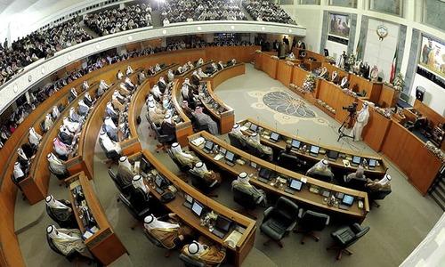 پارلیمان کے ساتھ تنازع، کویتی وزیراعظم کابینہ سمیت مستعفی