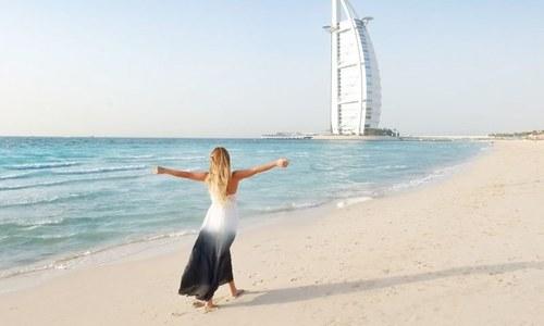 متحدہ عرب امارات میں کتنے ارب پتی، کتنے کروڑ پتی رہتے ہیں؟
