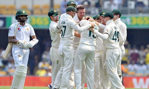 اچھے آغاز کے باوجود برسبین میں پاکستان بیٹنگ لائن ناکام