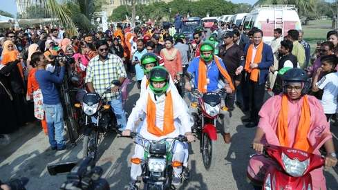 The Women on Wheels campaign kicks off in Karachi and it's inspiring