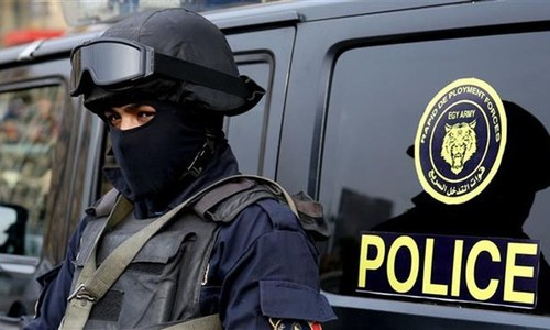Egypt police arrest three journalists