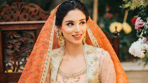 Photos from Zainab Abbas's mayun will make you swoon