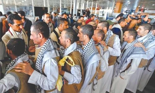 128 Houthi prisoners freed in Saudi Arabia, flown to Yemen
