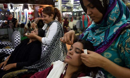 Beauty parlour, hair salon employees not tested for Aids since 2002: ministry