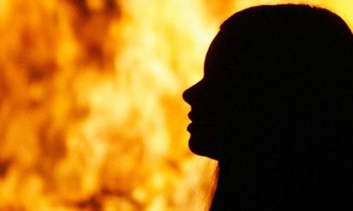 جھنگ: زندہ جلائی گئی خاتون دم توڑ گئیں، شوہر کے خلاف مقدمہ درج