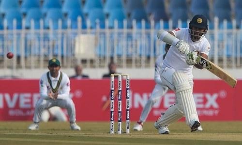 Dimuth Karunaratne leads Sri Lanka to steady start against Pakistan in first Test