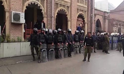 وکلا کی ملک گیر ہڑتال، لاہور ہسپتال حملے میں گرفتار افراد کی رہائی کا مطالبہ