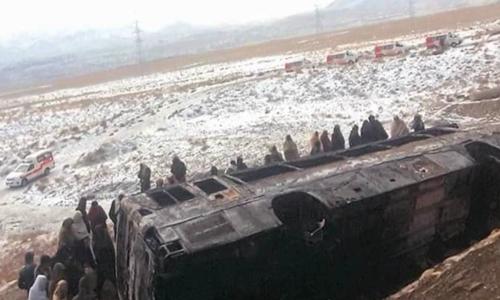بلوچستان: قلعہ سیف اللہ میں مسافر بس اور پک اپ میں تصادم، 15 افراد جاں بحق