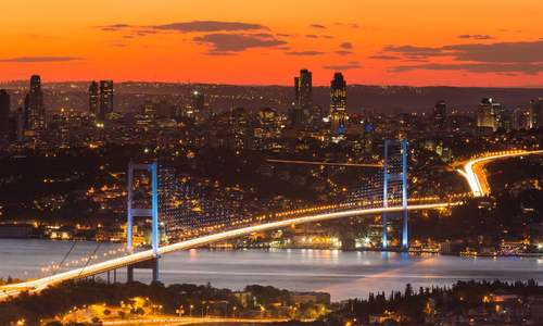 2 براعظموں میں واقع دنیا کے واحد شہر کی سیر