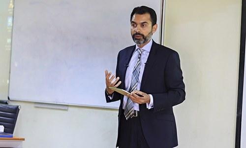 منی لانڈرنگ کےخلاف پاکستانی اقدامات کی عالمی سطح پر تعریف ہوئی، رضا باقر