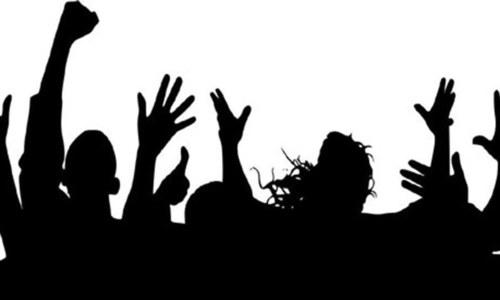 غریب نوجوان کیا خوشحال زندگی کی خواہش بھی نہ کریں؟