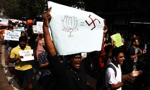 India protests rage over 'anti-Muslim' law as hundreds of students take to the streets