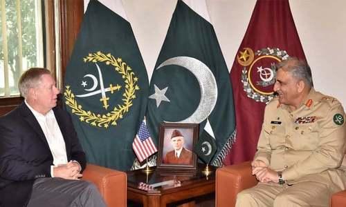 آرمی چیف سے امریکی سینیٹر کی ملاقات، افغان مفاہمتی عمل پر تبادلہ خیال