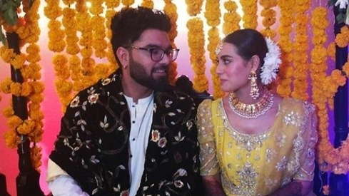 Iqra Aziz and Yasir Hussain dance the night away on their mehndi