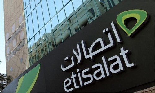 Govt may accept Etisalat offer to settle dues row