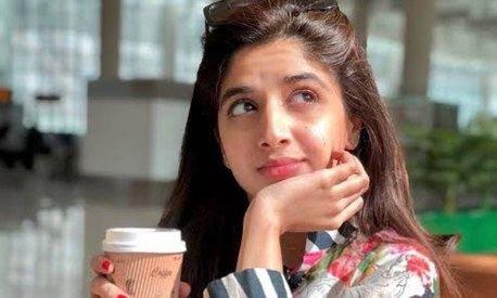 Mawra Hocane speaks out about dealing with anxiety to inspire others to find courage