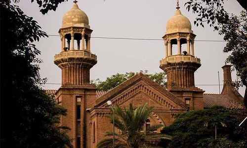 LHC CJ orders crackdown on industries creating pollution